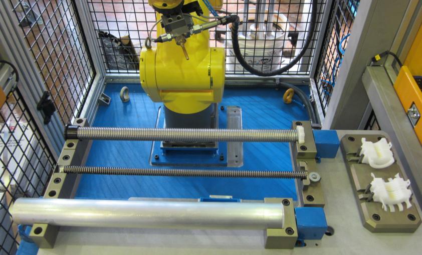 Maquina especial para engrasado de columnas