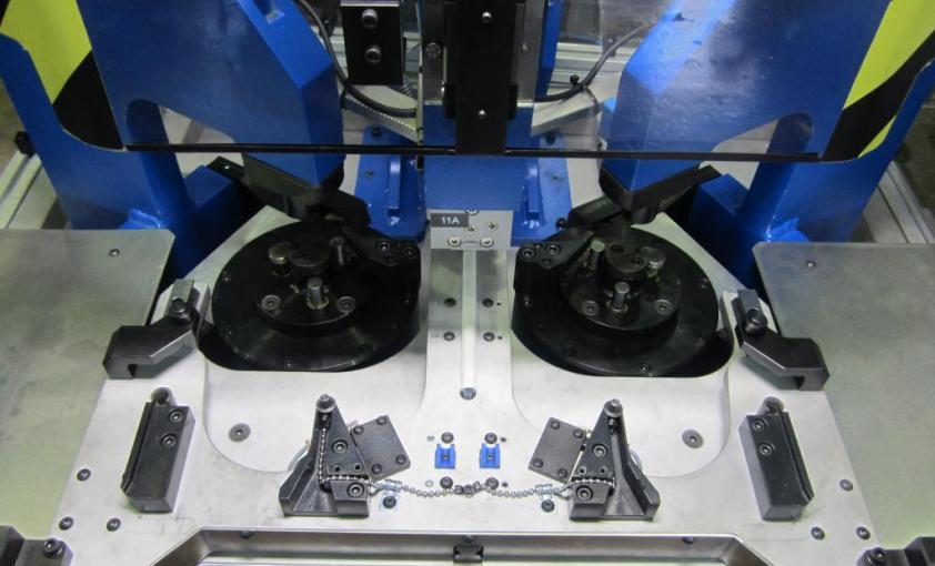 Máquina de inserción de muelles