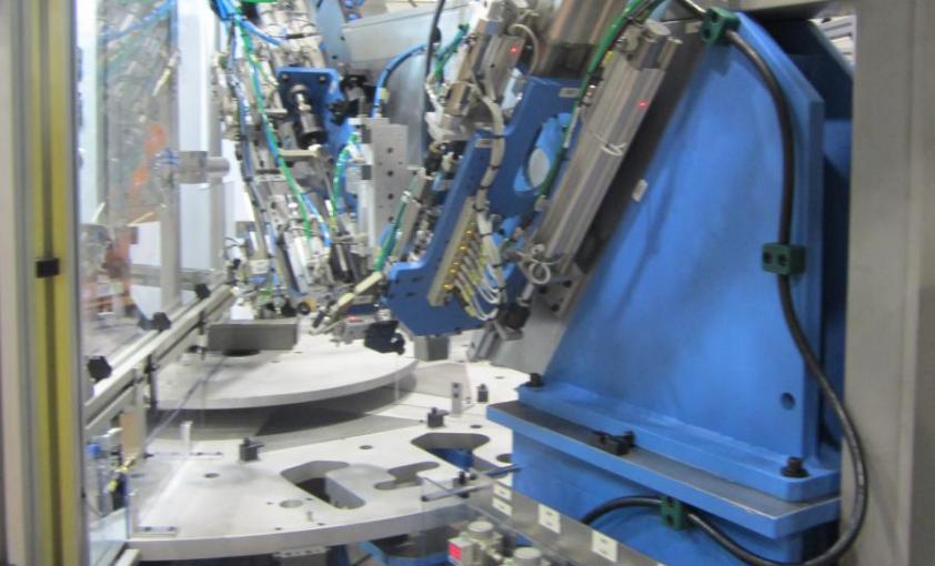 Transfer rotativo para montaje de cerraduras, máquinas especiales