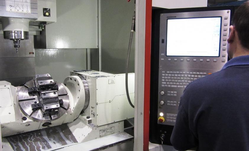 Fabricación por medios propios (máquinas de mecanizado)