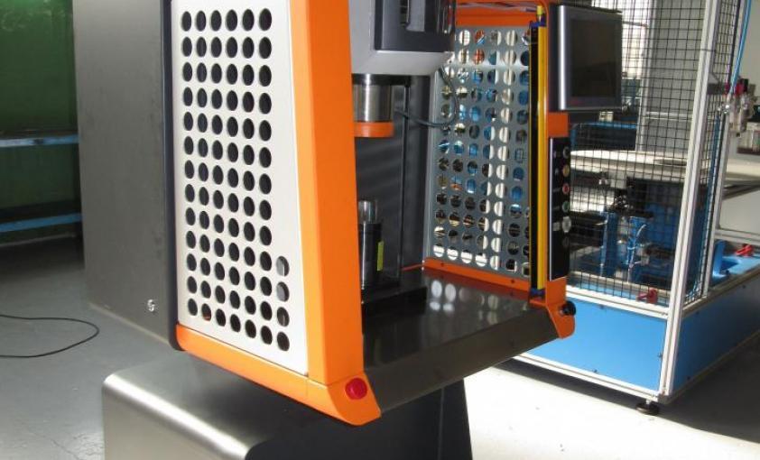 Prensa eléctrica AGME PE50, panorámica