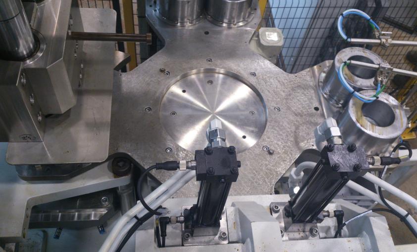 Máquina para prensado de pastillas antihumedad